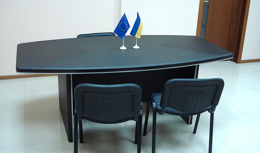 Фото 5. Конференц стола Альянс