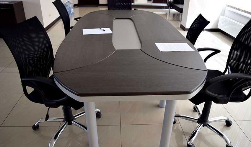 Фото 2. Конференц стола Эволюшен (МДФ)